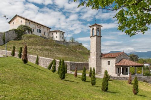 Vista Santuario Ancona e Palazzo di sopra